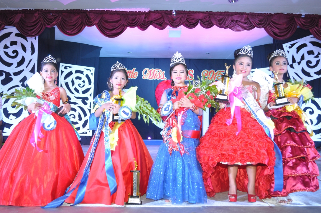 The winners of Little Miss VFES 2015 and her court: (L-R) Ashanti Louise Caindoc – 4th Runner Up, Loriene Grace B. Britos – 2nd Runner Up, Marian Grace C. Panonce– Little Miss VFES 2015,  Bryssa Maye Nicole L. Makabenta – 1st Runner Up, and Antoinette Josephine M. Siarez – 3rd Runner Up.