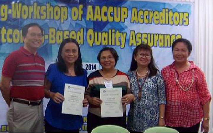 Dr. Beatriz S. Belonias and Dr. Lualhati M. Noriel (2nd and 3rd from left) posing with (L-R) Dr. Mario S. Suba, Dr. Rosana Grace B. Belo-Delariarte, and Dr. Nenita I. Prado, AACCUP trainers, after receiving their certificate of recognition as topnotchers in the post-training examination.